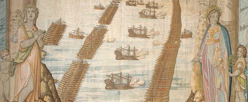 Lo schieramento delle flotte all'inizio della battaglia